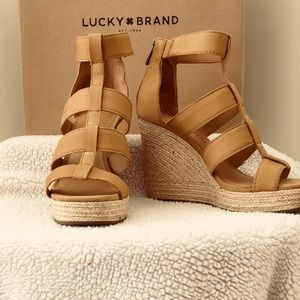 65a5a483234084 Lucky Brand Shoes - 7.5 Lucky Lateera wedge sandal in Sandbox.